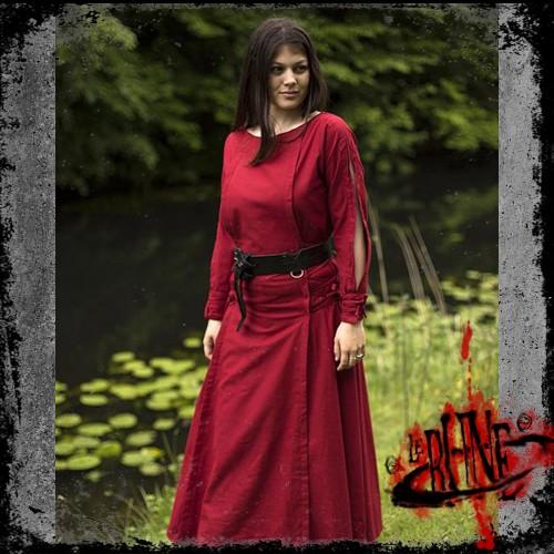 Priestess dress red