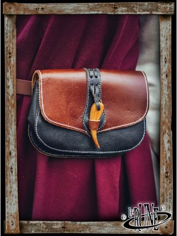 Beltbag Adalar with wooden hook