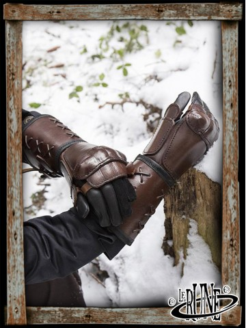 Leather gauntlet right hand - Brown