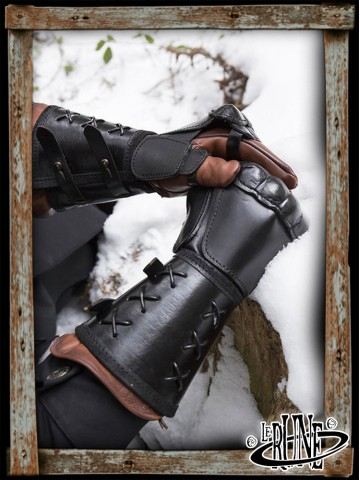 Leather gauntlet right hand - Black