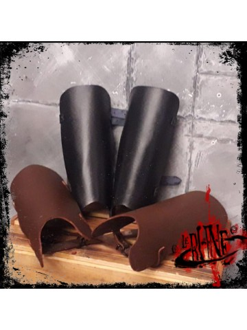 Leather greaves Robin
