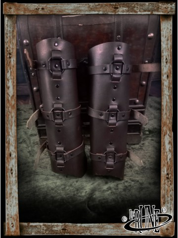 Leather greaves Minus