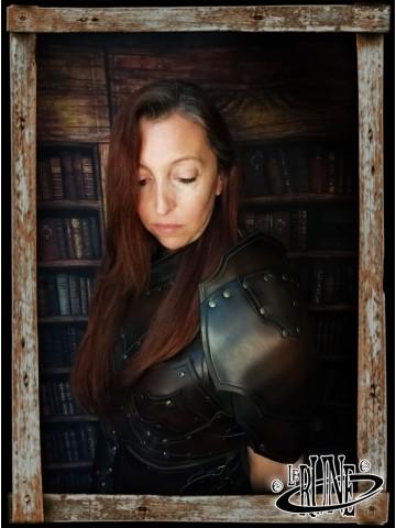 Leather pauldrons set Senua Klarel
