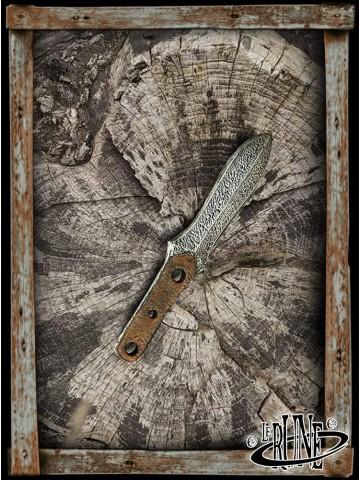 Coreless dagger Thrust