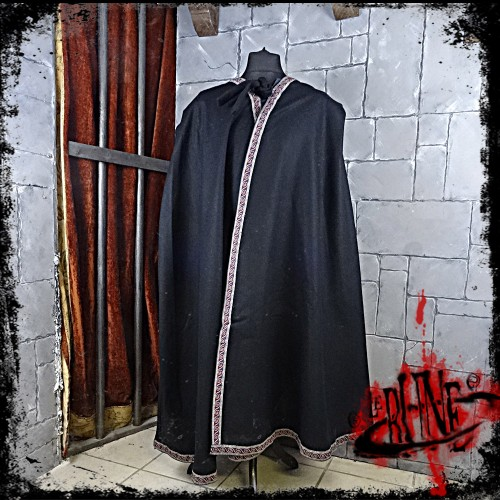 Wool cape Nifft