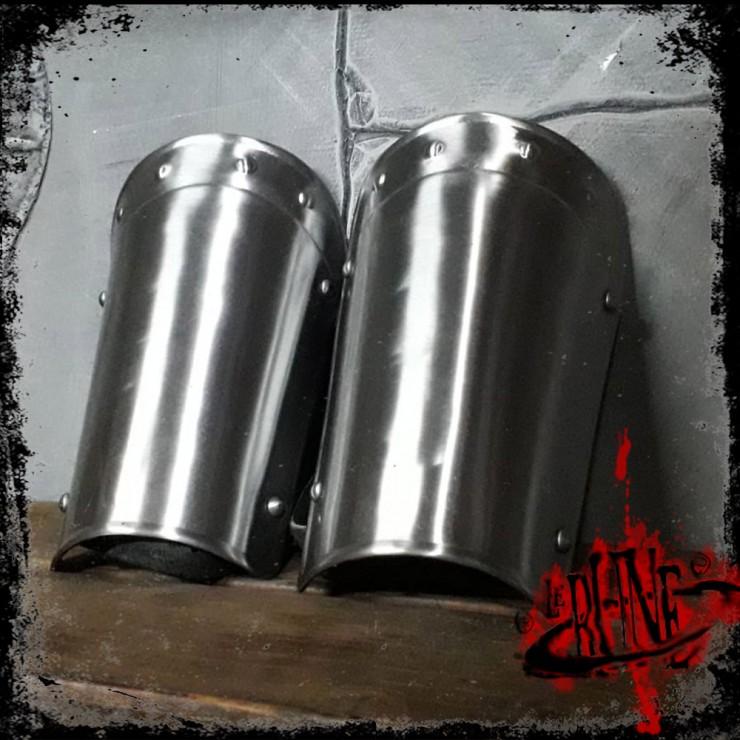 Steel bracers Agrom