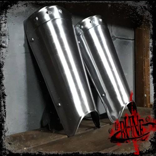 Steel greaves Agrom